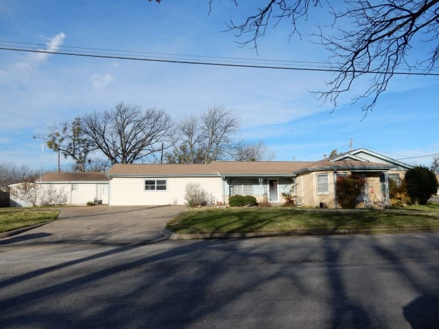 907 N Page Street, COMANCHE, Texas 76442, ,Homes,For Sale,N Page Street,1076