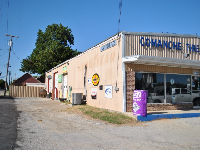 401 E Central, Comanche, Texas 76442, ,Commercial,For Sale,E Central,1079